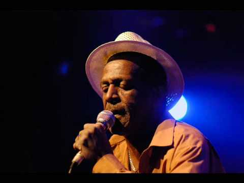 Gregory Isaacs – Don Man Girl -@- Youreggae.com