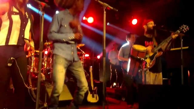 GROUNDATION & Meta – Could You Be Loved – Live @ Six-Fours France
