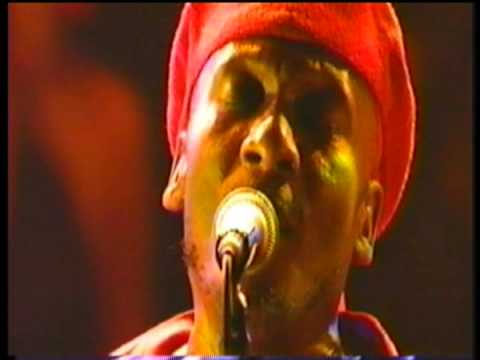 Jimmy Cliff Live – Many Rivers To Cross