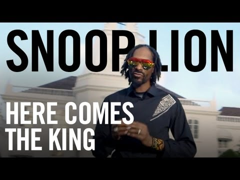Snoop Lion ft. Major Lazer & Angela Hunte – «Here Comes the King» (Official Video)