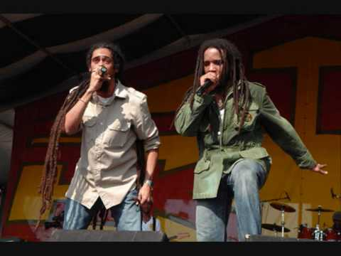 Stephen, Damian & Julian Marley – The Mission – Acoustic Version