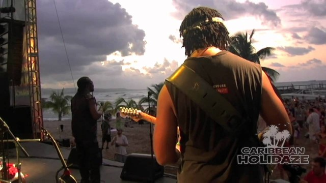 Toots and the Maytals – Pressure Drop – Official Video Live HD In Jamaica