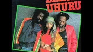Black Uhuru – Guess Whos Coming To Dinner