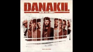Danakil Feat. Harrison « Professor » Stafford & Marcus Urani from Groundation – We Drop