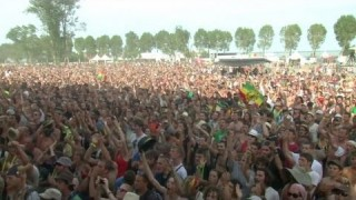 BROUSSAÏ & NAÂMAN – Elle M'Accompagne  – Live at Reggae Sun Ska 2013 – Official Video HD
