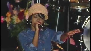 Lauryn Hill with Ziggy Marley and the Melody Makers «Killing Me Softly»