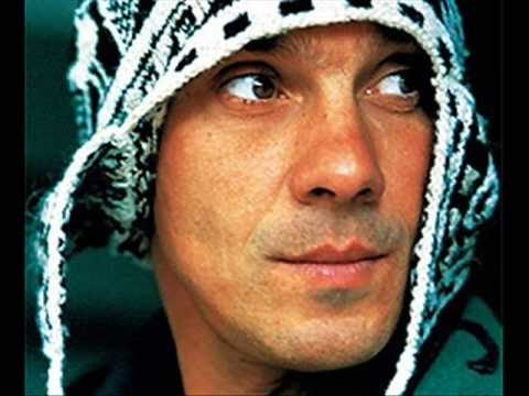 Manu Chao & Lyricson – Mr Bobby