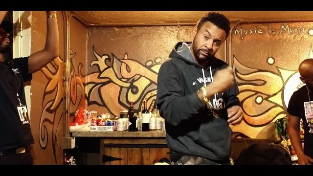 Shaggy – Up Up Up